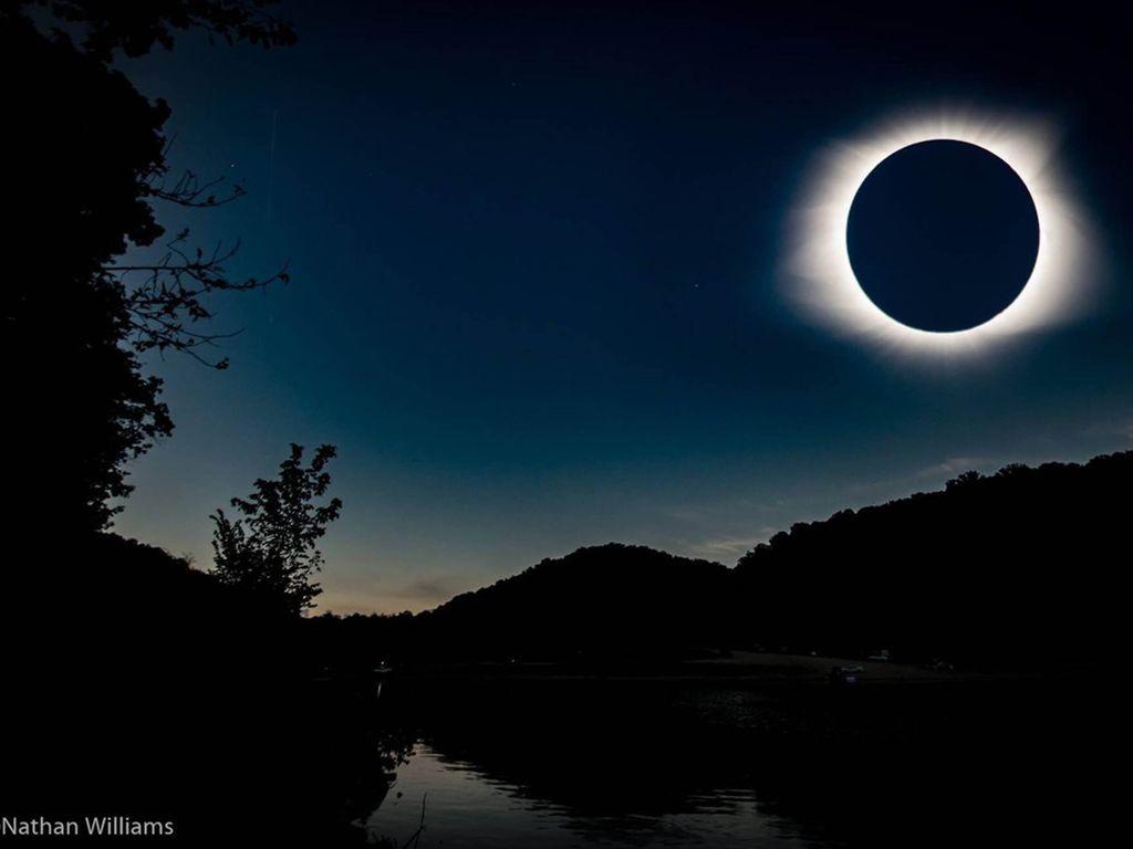 Les plus belles images de l'éclipse solaire totale