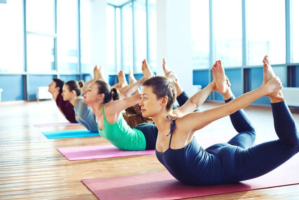 cours de yoga, tenue de yoga