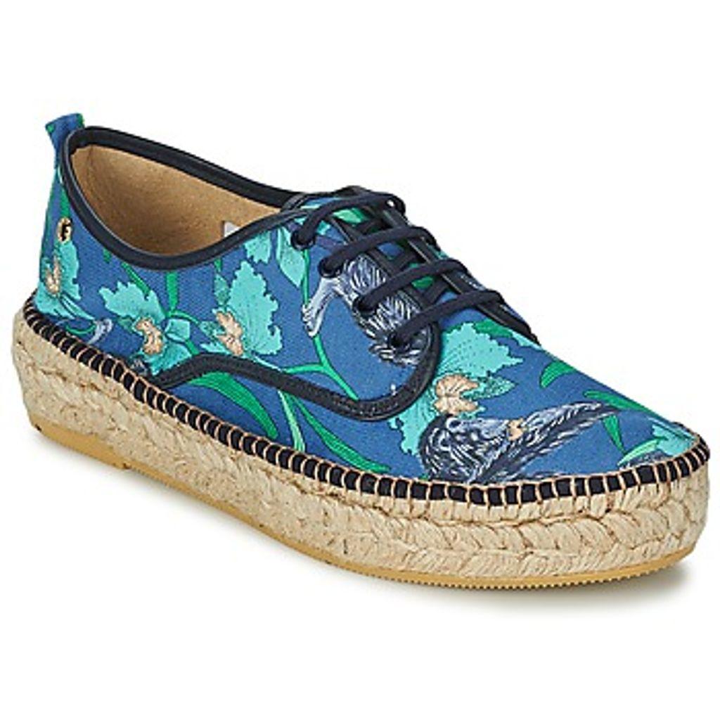 10 paires de chaussures fleuries