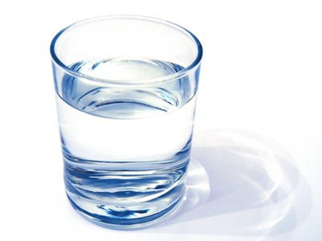 3 astuces pour boire plus d'eau et rester hydratée