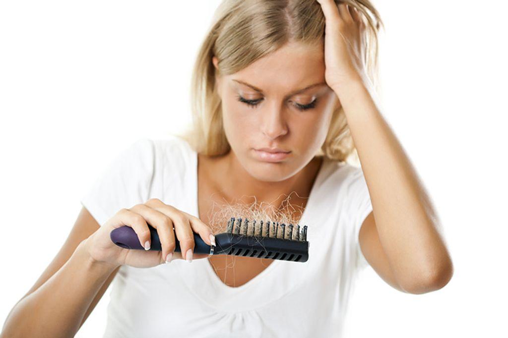 Comment limiter la chute de cheveux chez la femme ?
