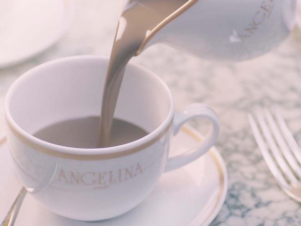 Comment prendre un chocolat chez Angelina sans faire la queue