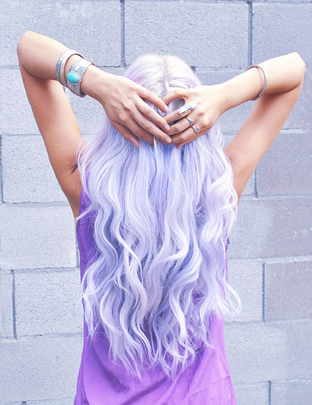 Faites-vous un « rainbow hair » éphémère !