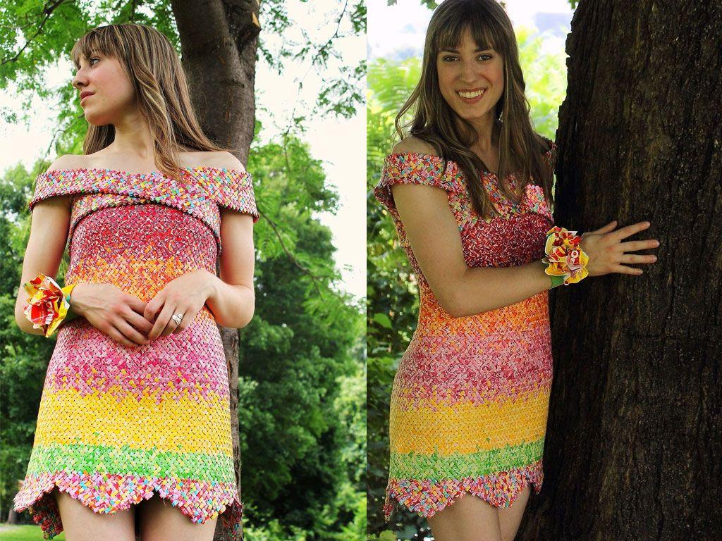 Il a fallu manger 10 000 bonbons pour rentrer dans cette robe !