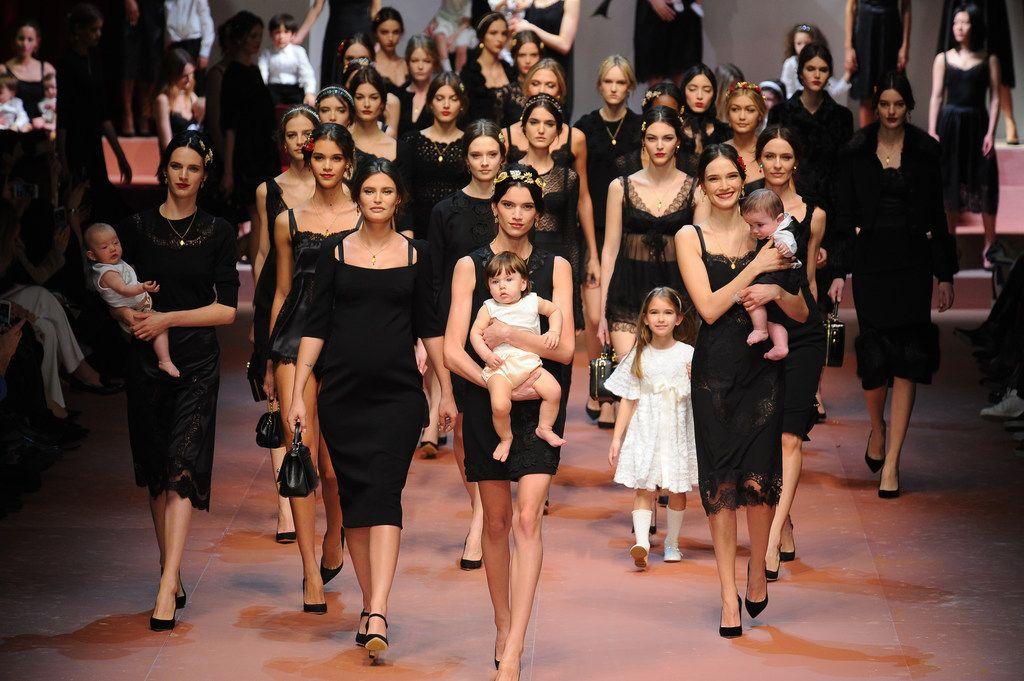 Le défilé Dolce & Gabbana : la maternité à l'honneur