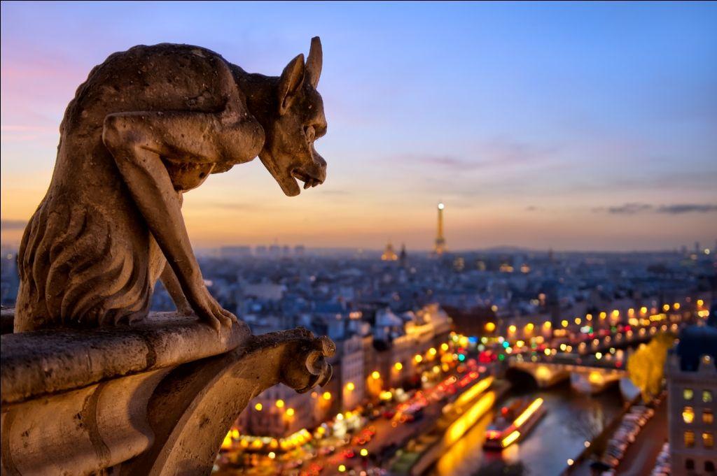 LES COULISSES DES PLUS BEAUX MONUMENTS PARISIENS AU PIED DU SAPIN !