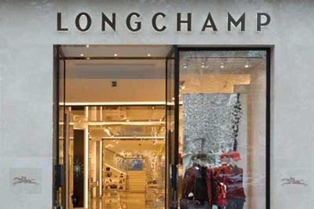 Longchamp sur les Champs-Elysées, c'est fait !