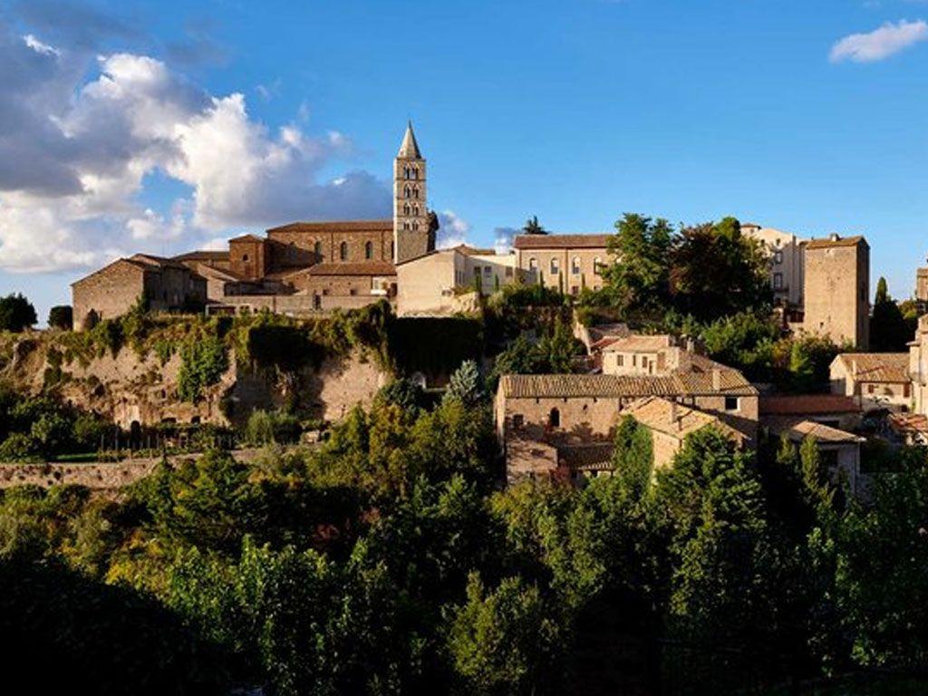 Qui veut un château en Italie ? C'est gratuit !