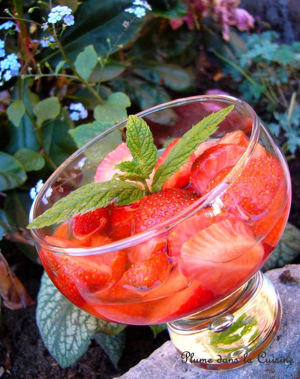 Une soupe de fraises au vin blanc