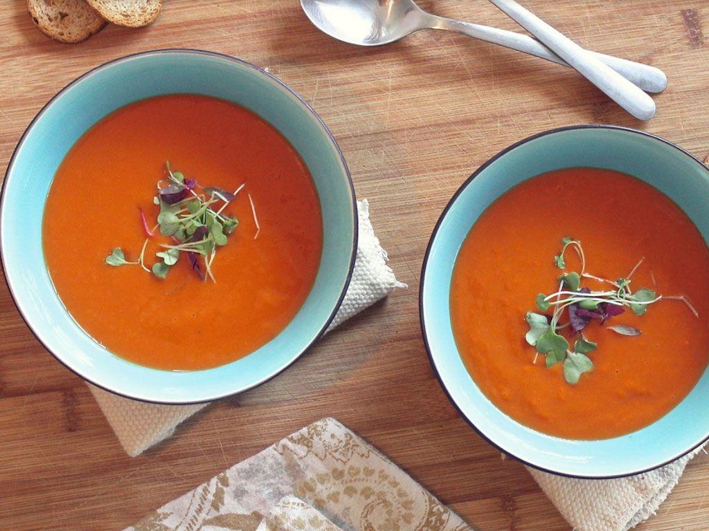 Une soupe pour l'été (plat végétalien)