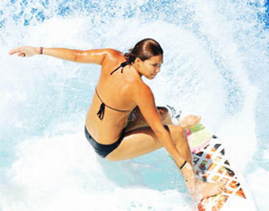 Glamour on the beach : les secrets beauté des surfeuses
