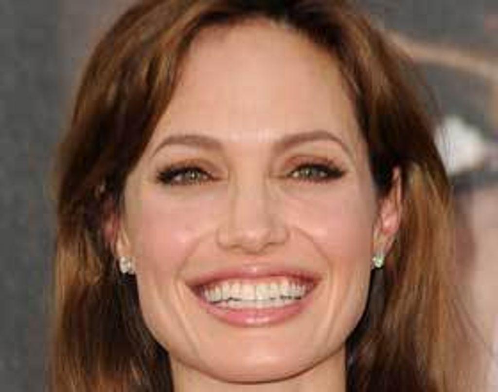 Le gloss qui fait fondre Angelina Jolie