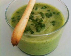 Soupe froide de courgettes au parmesan