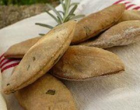 Crackers au romarin et à la livèche