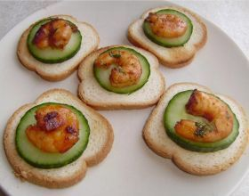 Toasts aux crevettes sucrées et piquantes