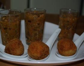 Verrines d'aubergines accompagnées de boulettes de thon