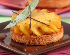 Ananas rôti à la vanille et flambé au rhum