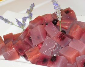 Cubes de fruits rouges à la lavande