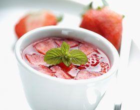 Gaspacho de gelée de cerises et fraises fraîches