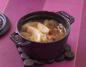 Poires au miel et pain d'épices en cocotte