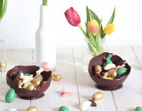 Coupelles en chocolat et fritures de Pâques