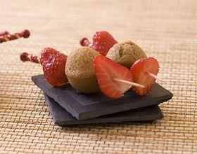 Mini brochettes de fraise et pain d'épices
