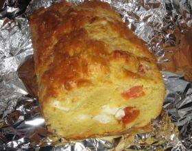 Cake à la Féta et tomates cerises