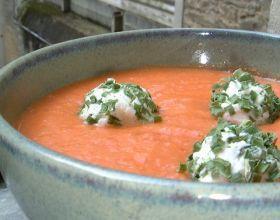 Gaspacho à la tomate et ses billes de chèvre