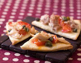 Mini pizzas au thon et aux câpres