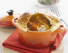 Cassolette de homard et poireaux au Comté présentée en croûte