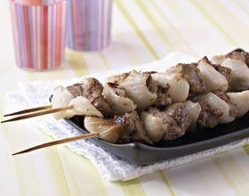 Brochettes d'agneau au romarin et oignons