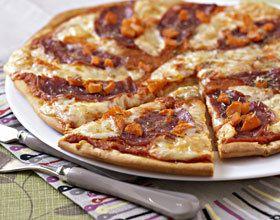 Pizza saucisson, raclette et potiron