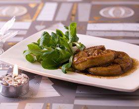 Escalope de foie gras poêlée au miel et vinaigre balsamique
