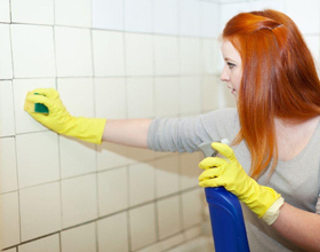 Comment bien nettoyer ses joints de salle de bain - Comment nettoyer moisissure joint salle de bain ...