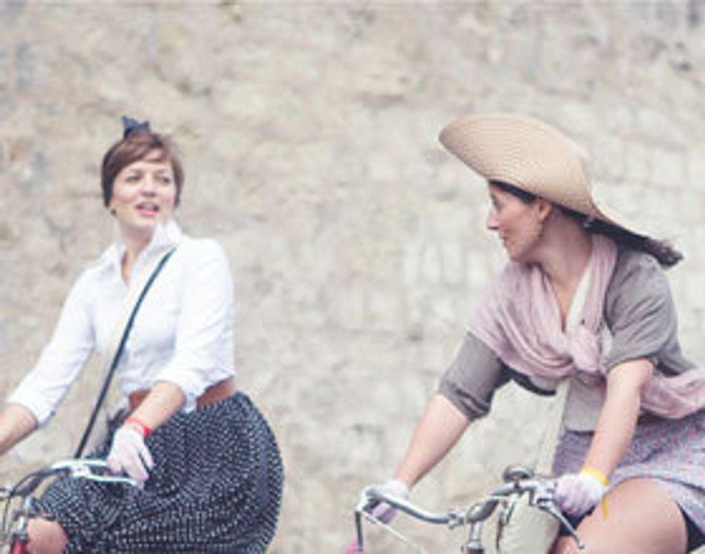 Street style : quelle tenue rétro pour ma balade à vélo ?