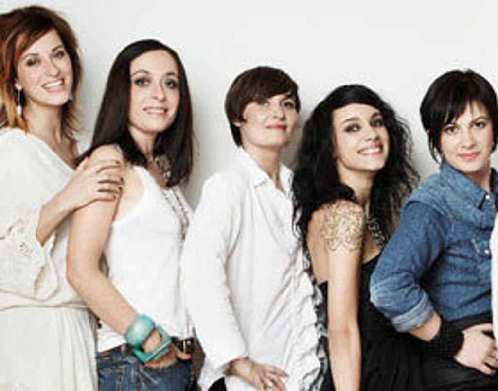 Six blogueuses deviennent stylistes pour André !
