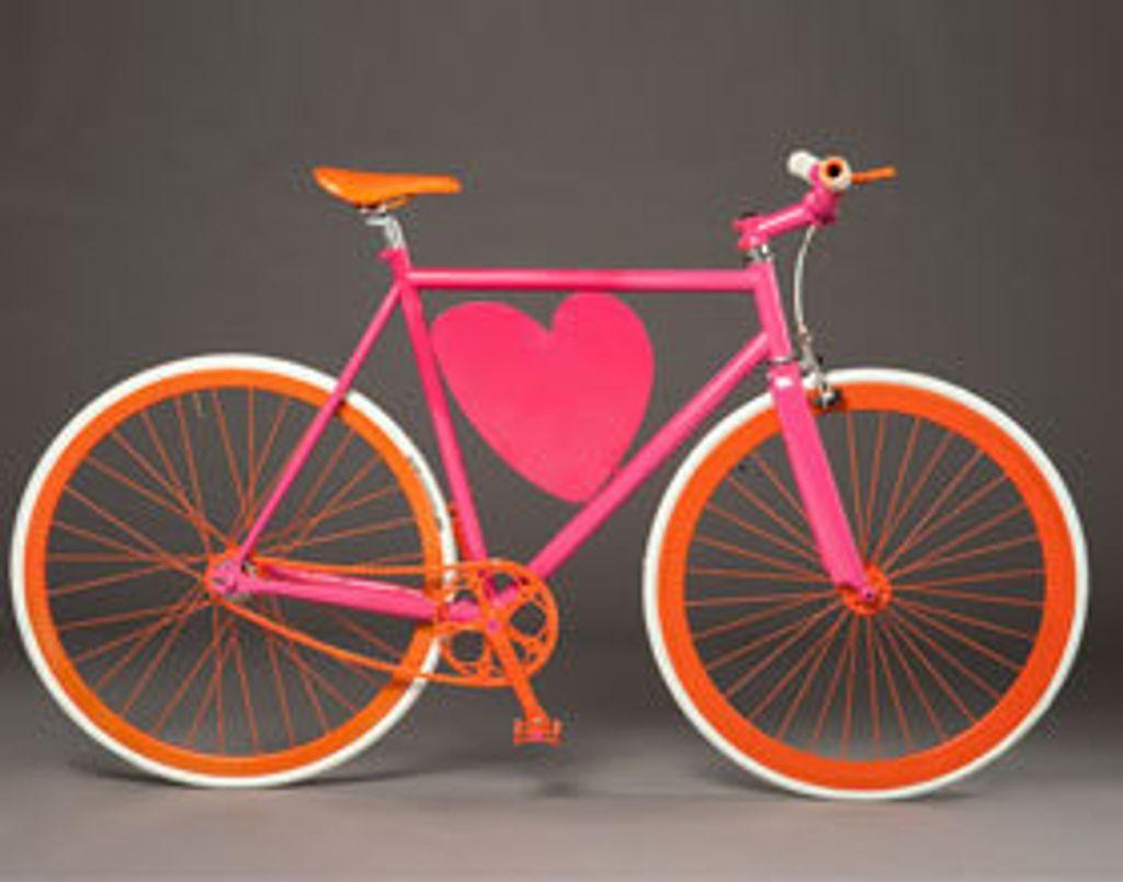 """Be cycle & Fashion: des vélos """"griffés"""" pour la bonne cause. J'adore!"""