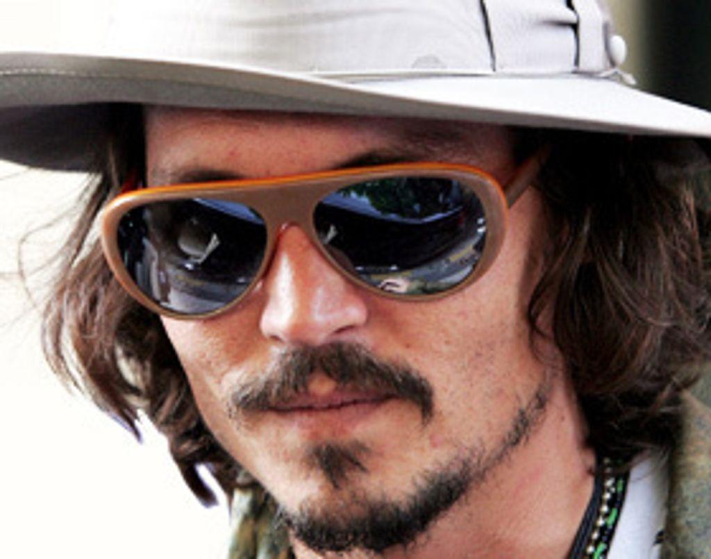 Révolution : Johnny Depp, amoureux de Salma Hayek !