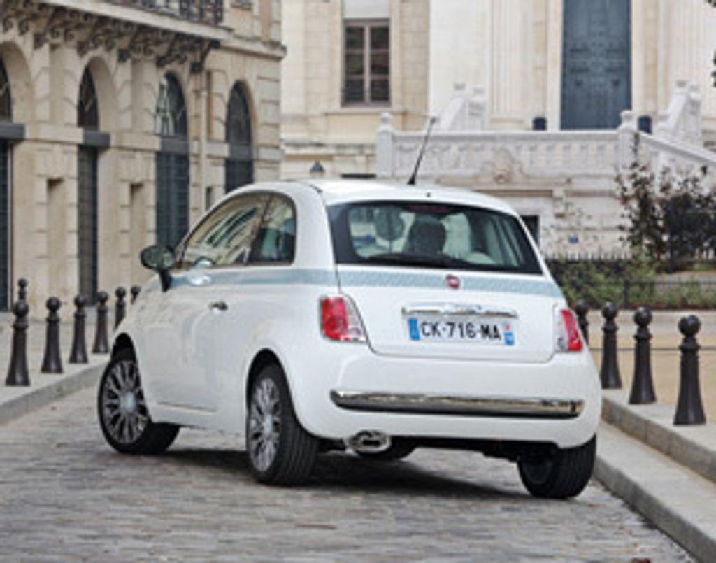 La Fiat 500 fait son fashion show en Liberty !