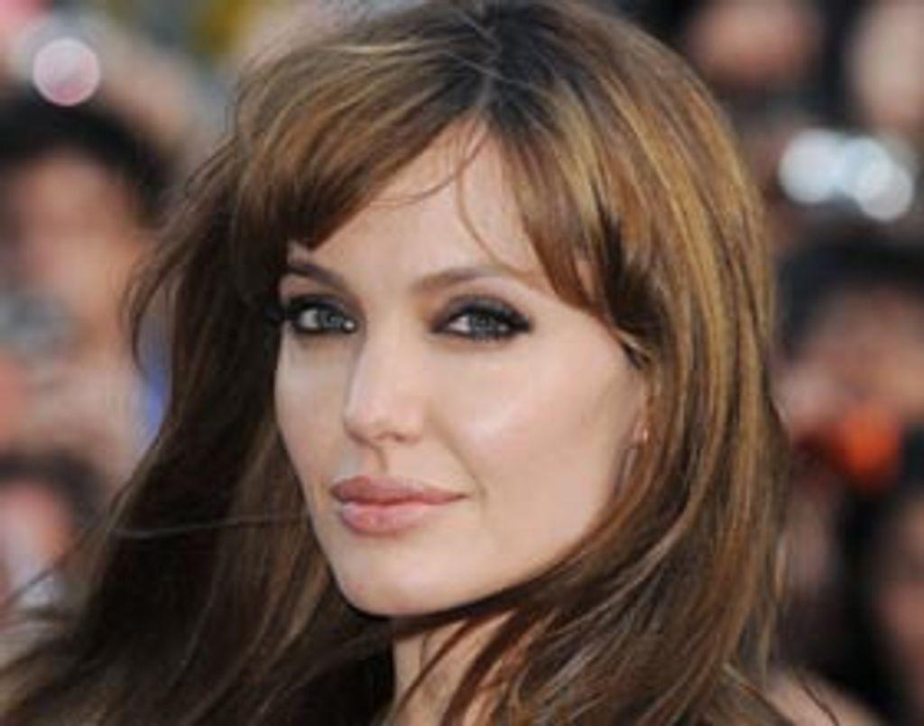 Angelina Jolie dans la robe de Marilyn Monroe ?