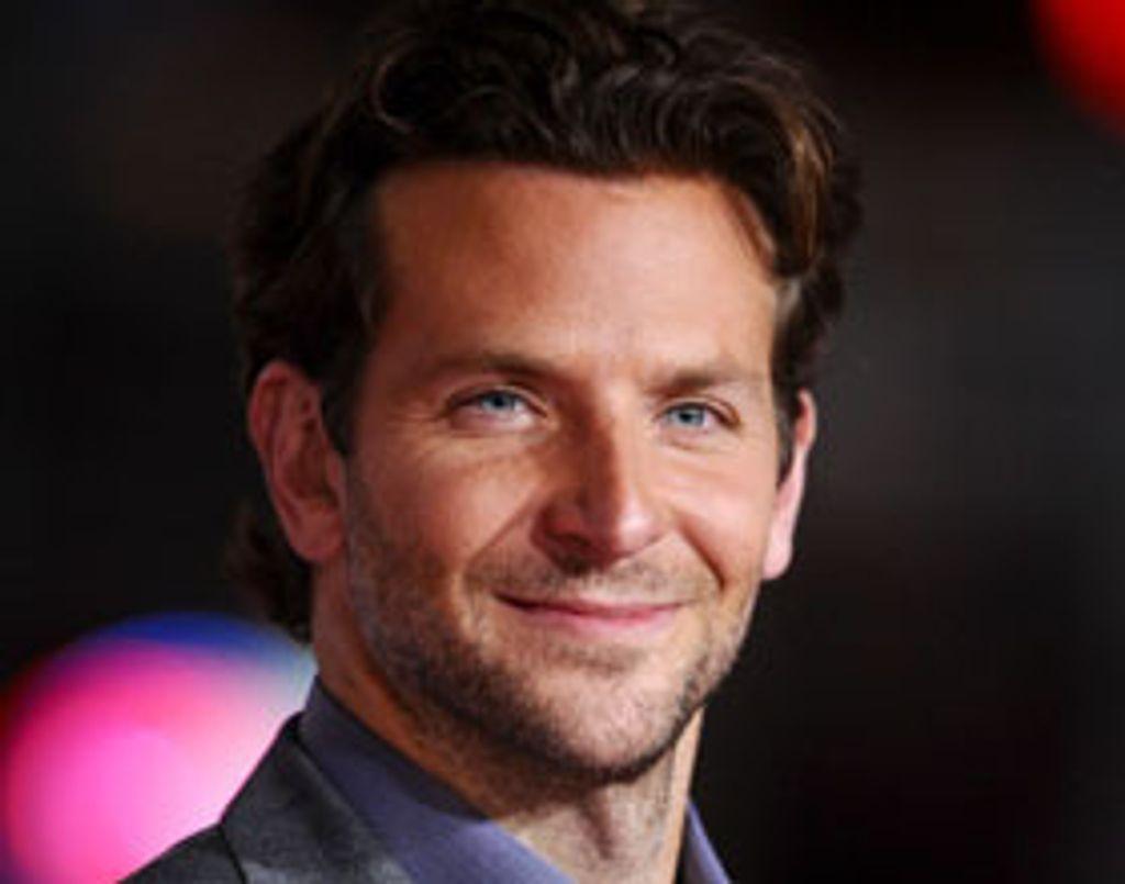 Bradley Cooper mis à nu par ses fans !