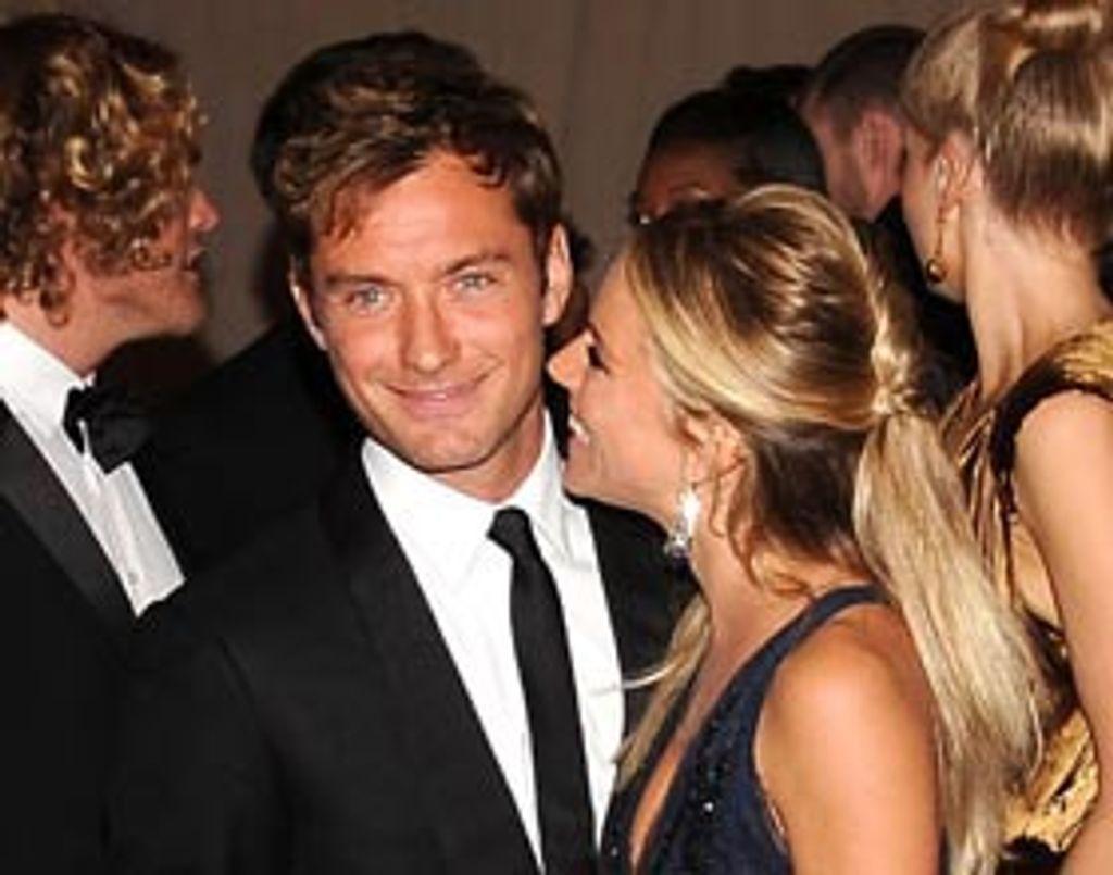 Jude Law et Sienna Miller : ils emménagent ensemble !