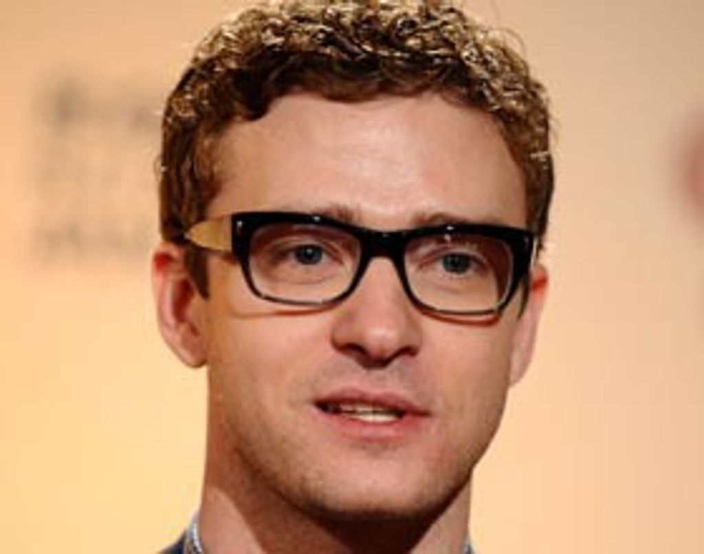 Justin Timberlake, homme d'affaires à lunettes