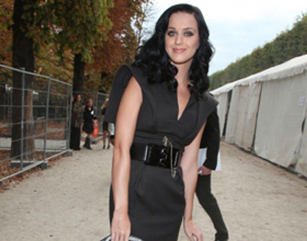 Katy Perry et Russell Brand s'affichent ensemble à Paris !