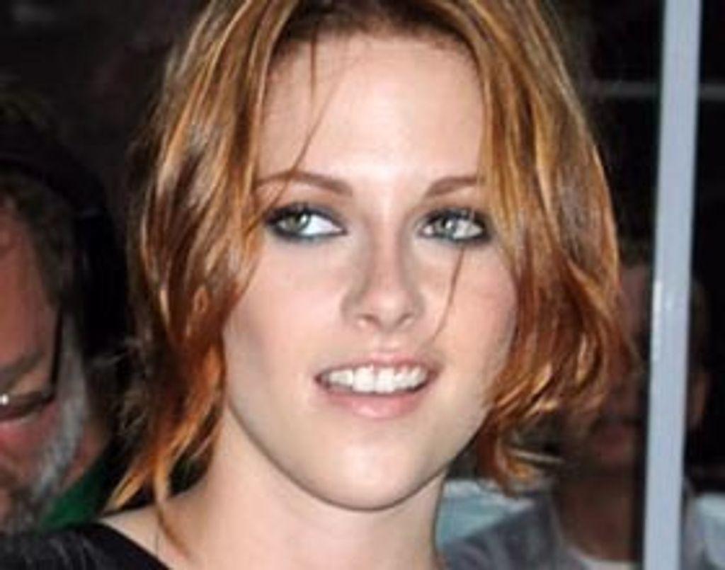Kristen Stewart lâche le brun pour un roux flamboyant