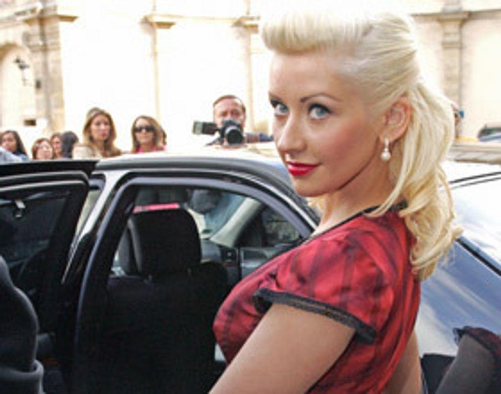 Christina fait ce qu'elle veut... avec ses cheveux !