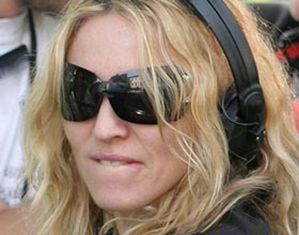 """Madonna tourne son film """"W.E"""" à Paris"""